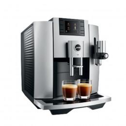Robot café JURA E8 Chrome et 5 paquets de 250g de café en grains et 4 verres double parois Cafés Richard offerts